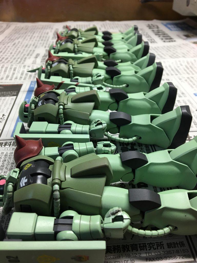 【再投稿】HGUC 量産型ザク 特務分隊 アピールショット3