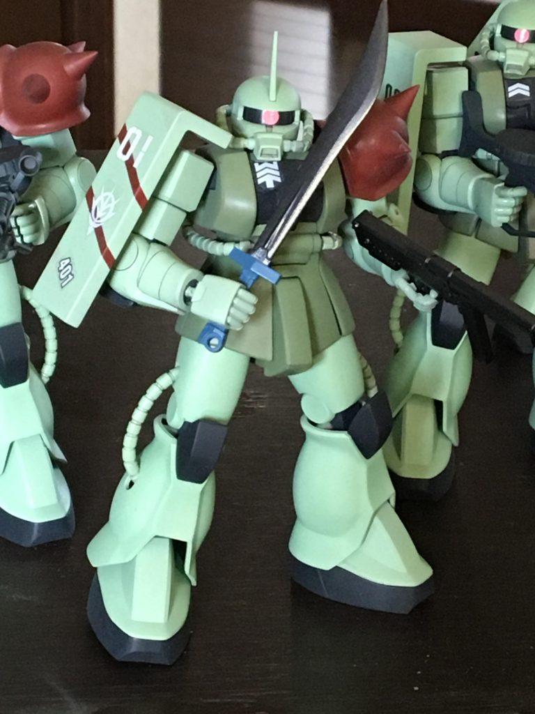 【再投稿】HGUC 量産型ザク 特務分隊 アピールショット1