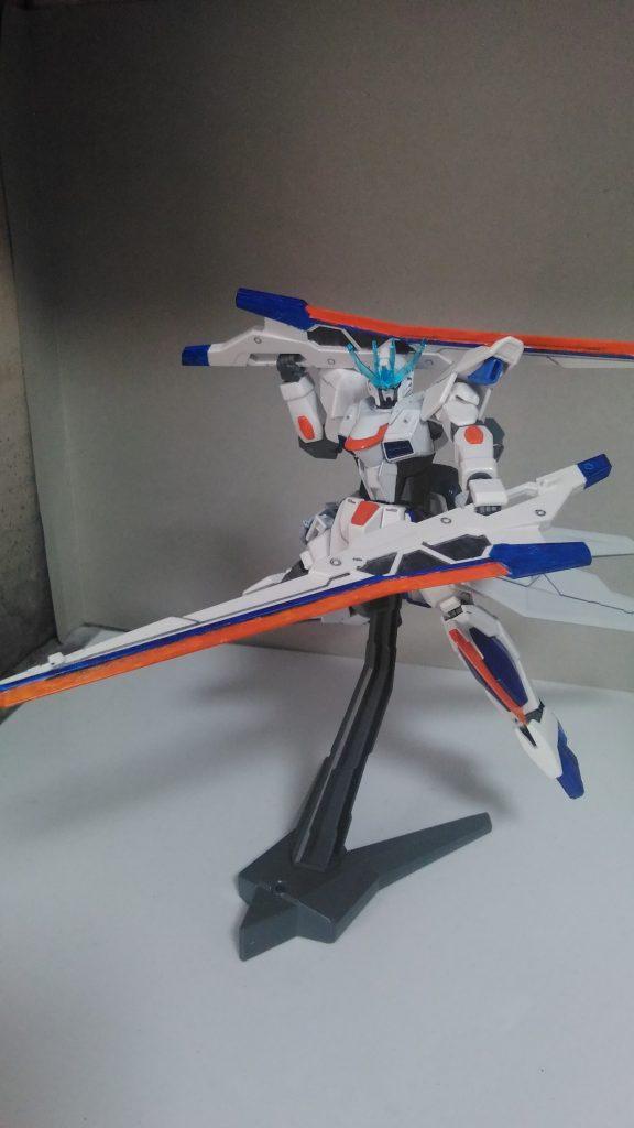武装その1:バスターソード  GNバスターソードを塗装しただけです。ブルーDのソードドラグーンを参考に。