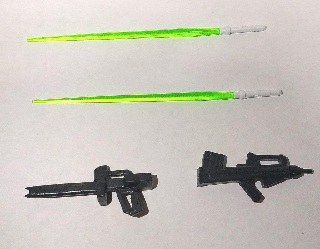 武装は本作品用に調節して製作したビームライフルとビームサーベル、そしてビームカノンの代わりにオマケで作ったレーザーガンとなってます