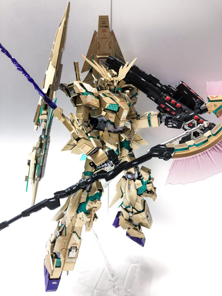 MG ユニコーンガンダム3号機 フェネクス 覚醒版 アピールショット2