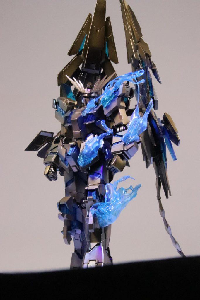 RX-0ユニコーン ガンダム3号機 フェネクス (NT) ナイトロフレア アピールショット3