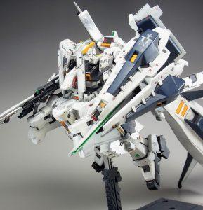 """RG ガンダムTR-1[ヘイズル・ラー]第二形態ブースター装備""""クルーザーモード"""""""
