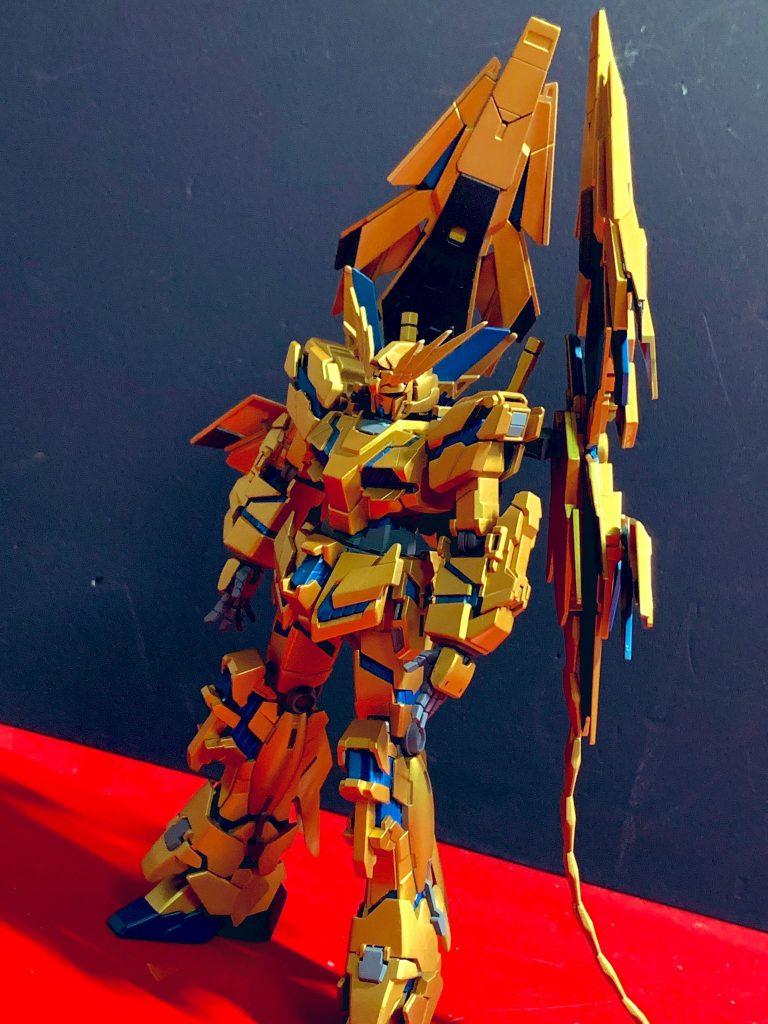 "RX-0 フェネクス ""3人目の兄弟"" アピールショット1"