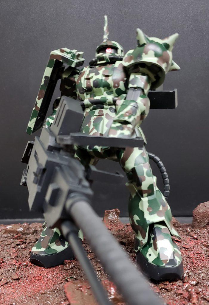 ザクⅡ砲撃兵装(迷彩)