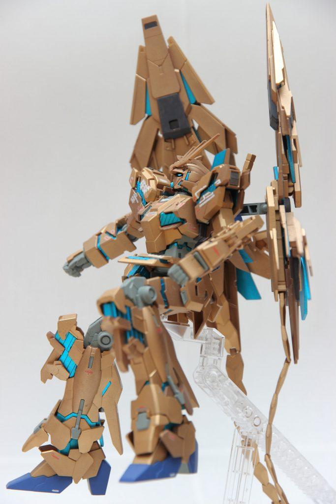 HGUC ユニコーンガンダム3号機 フェネクス ナラティブ版 アピールショット1