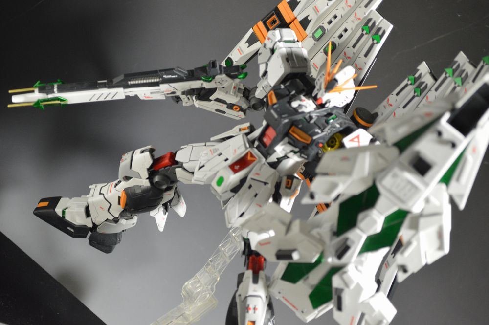 MG Νガンダム VER.KA改修 アルティメット・フェネクス (DFF追加) アピールショット5