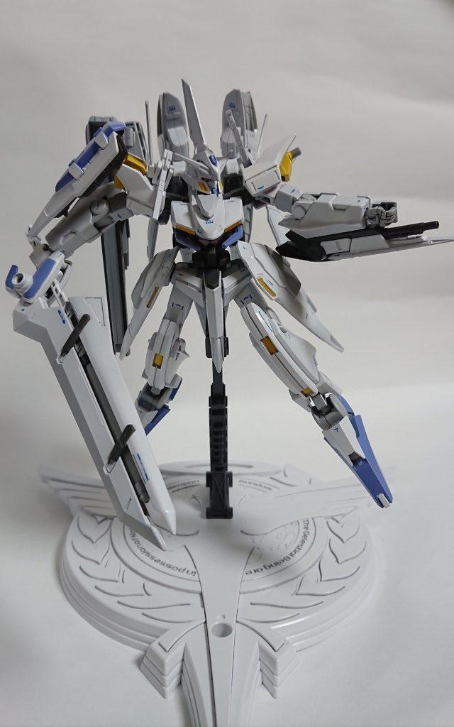 GNW-004 ガンダムスローネ4(フィーア) アピールショット4
