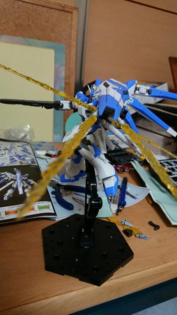 RX-93-ν2 Hi-νガンダム ビームガンシールド アピールショット1