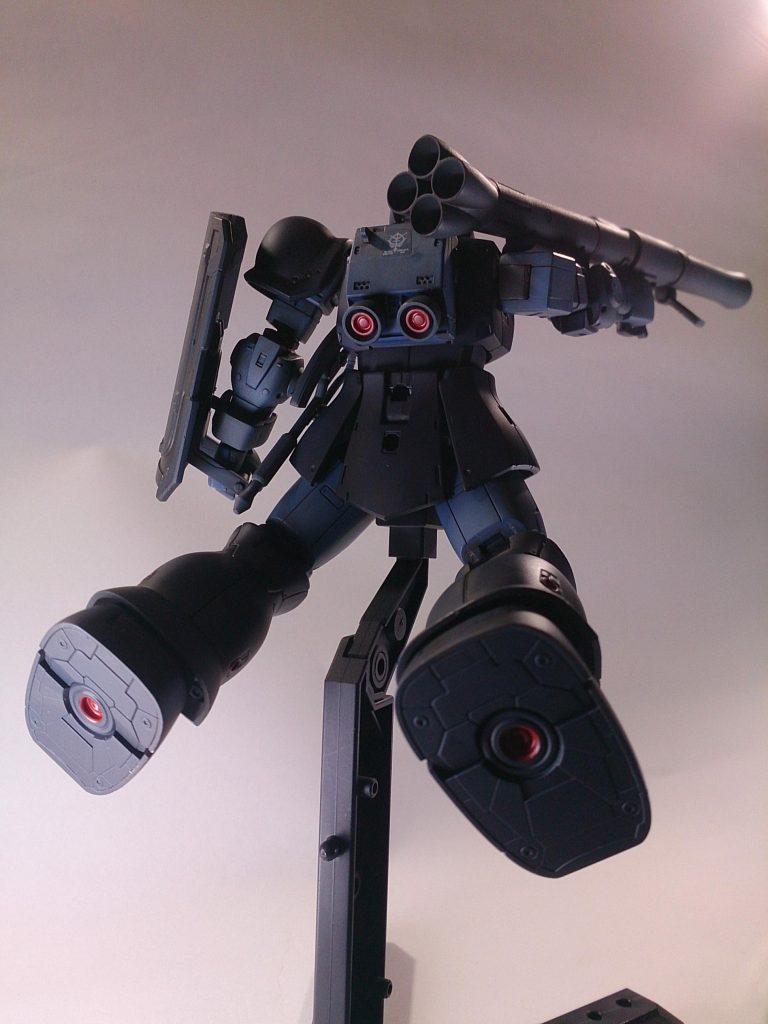 MS-06 ZAKU [黒い三連星] アピールショット3