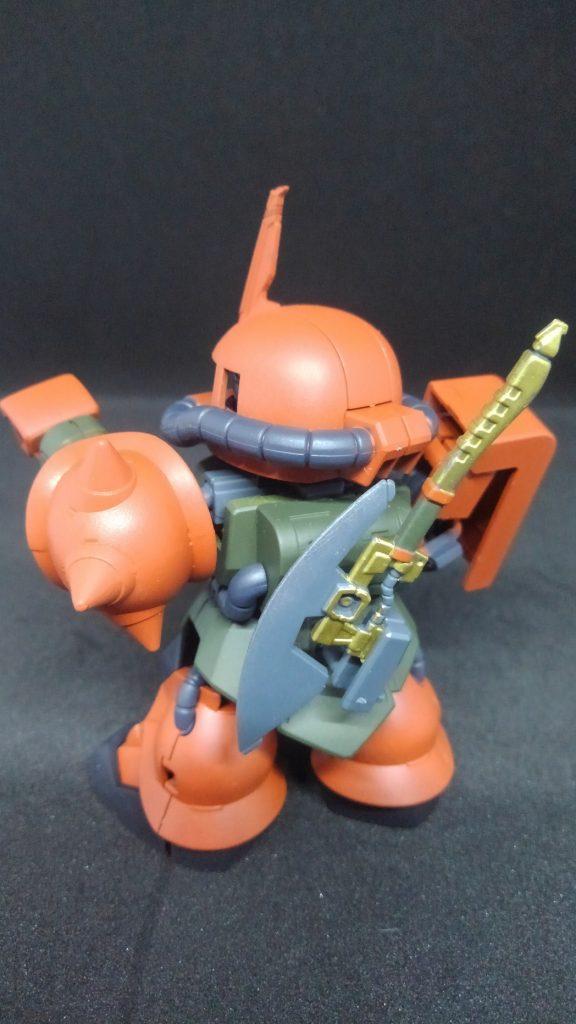 SD MS-06FS ガルマ・ザビ専用ザクⅡ(クロスシルエット アピールショット4