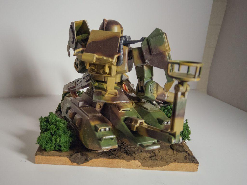 ザクタンク(旧キット+HGUCザクⅠ黒い三連星仕様) アピールショット1