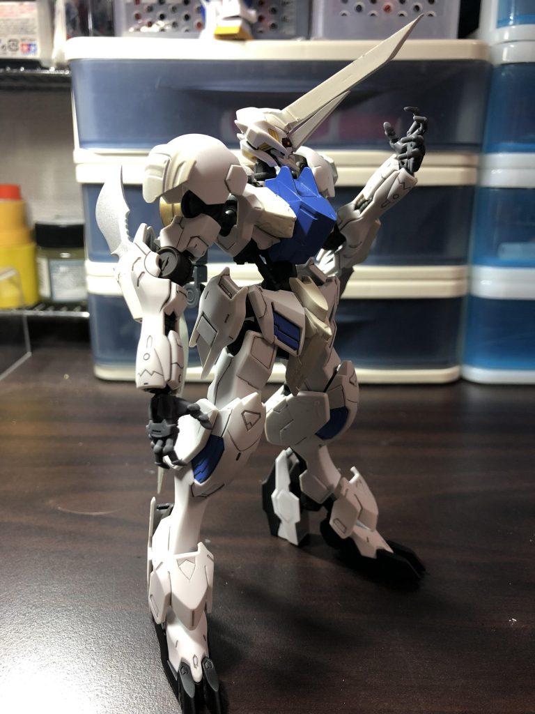 白の聖騎人 アピールショット1