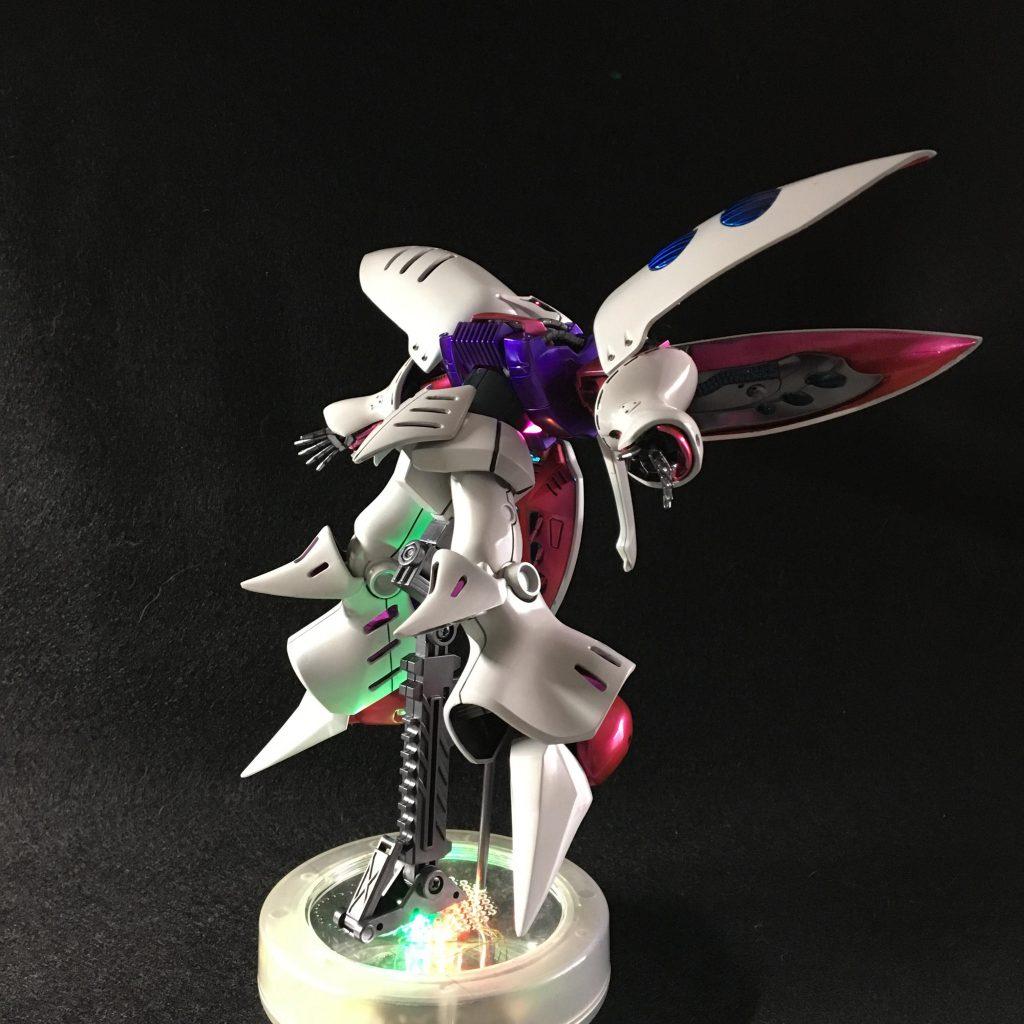 妖艶な白いモビルスーツ アピールショット3