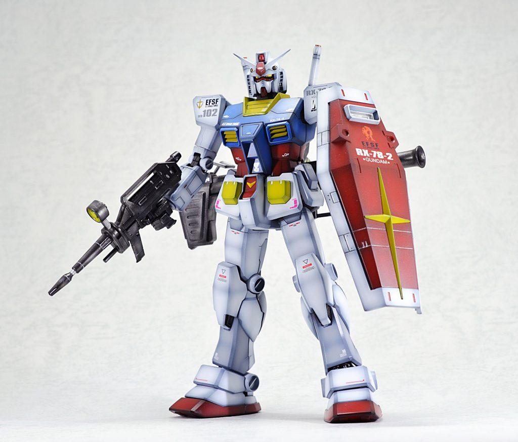 MG 1/100 RX-78-2 ガンダム Ver.1.5 アピールショット1
