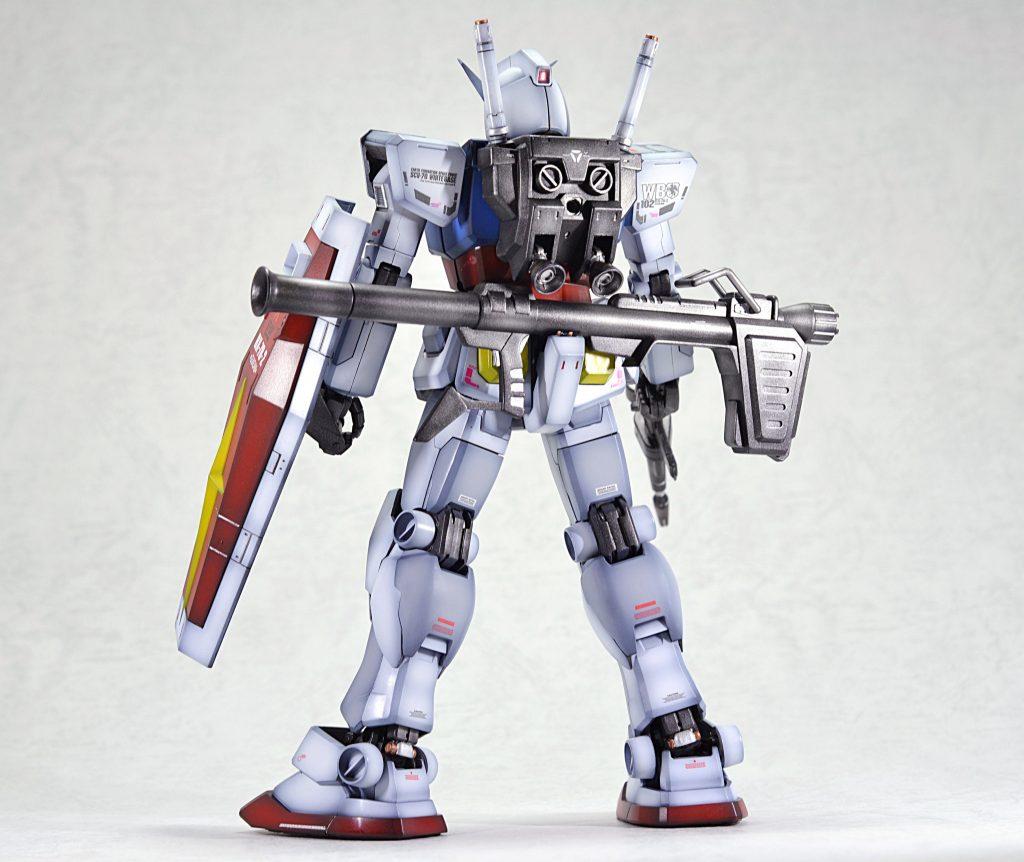 MG 1/100 RX-78-2 ガンダム Ver.1.5 アピールショット2