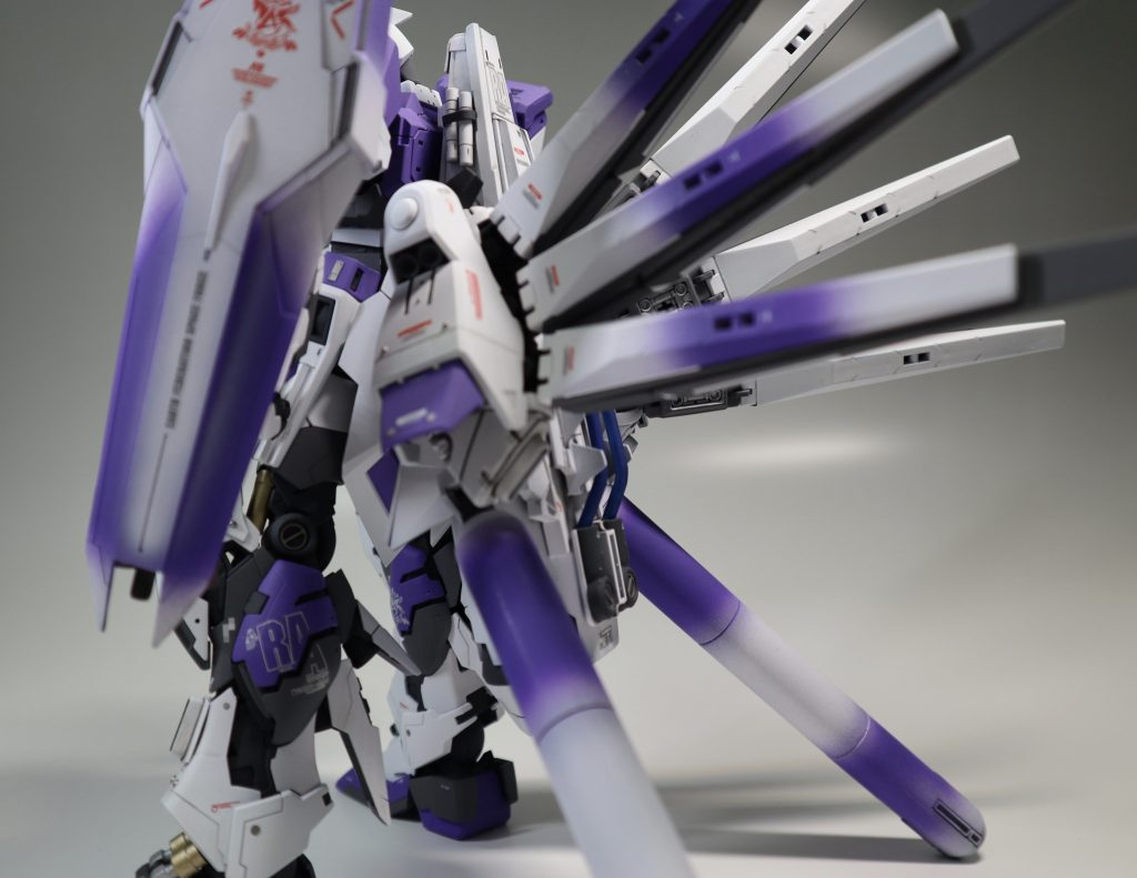 DUAL Hi-ν GUNDAM アピールショット1