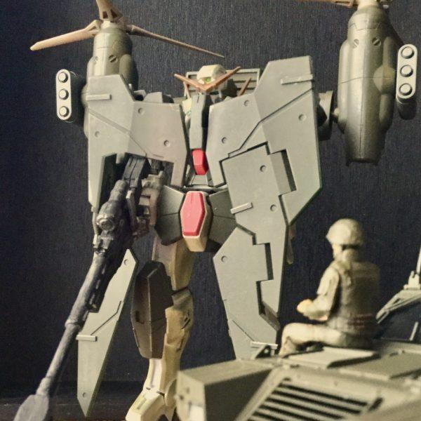 ガンダムデュナメスSDF ティルトローター装着型 指令車を添えて