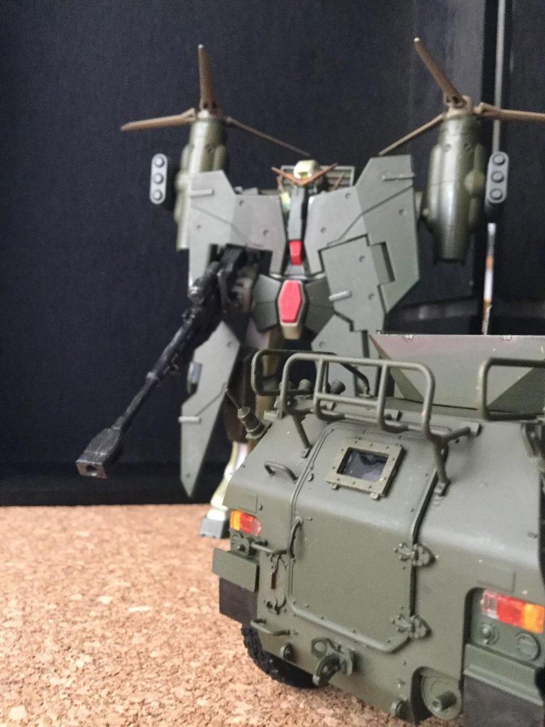 ガンダムデュナメスSDF ティルトローター装着型 指令車を添えて アピールショット2