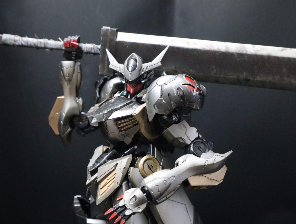 黒鉄の剣士 バルバトスルプス アピールショット1