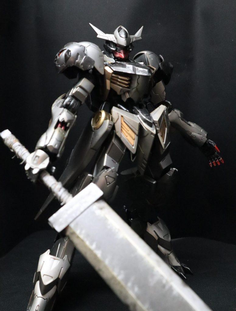 黒鉄の剣士 バルバトスルプス