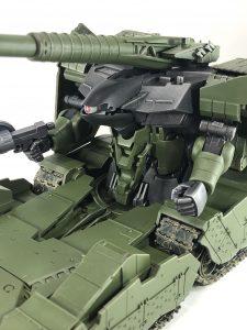 YMT-05 ヒルドルブ