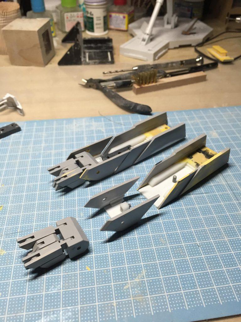 MG アヴァランチエクシアダッシュ (ミキシングビルド MGガンダムエクシア、1/100 アヴァランチエクシア使用) 制作工程1