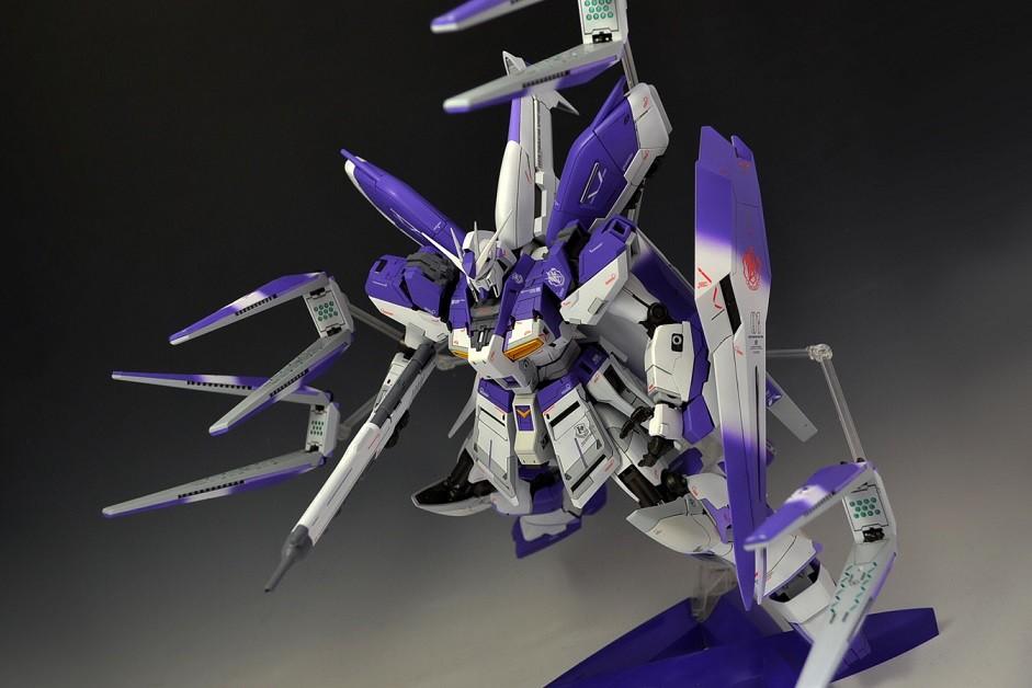MG 1/100 Hi-νガンダム Ver.ka アピールショット4