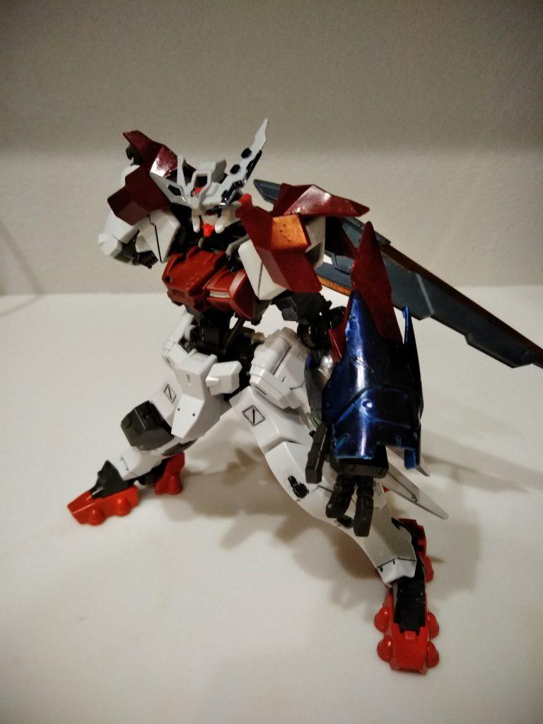 ガンダムアスタロト 鎧式/クリムゾンエッジ アピールショット3