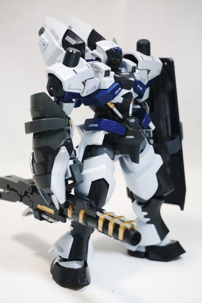 """拠点防衛型機 """"白影"""" アピールショット2"""
