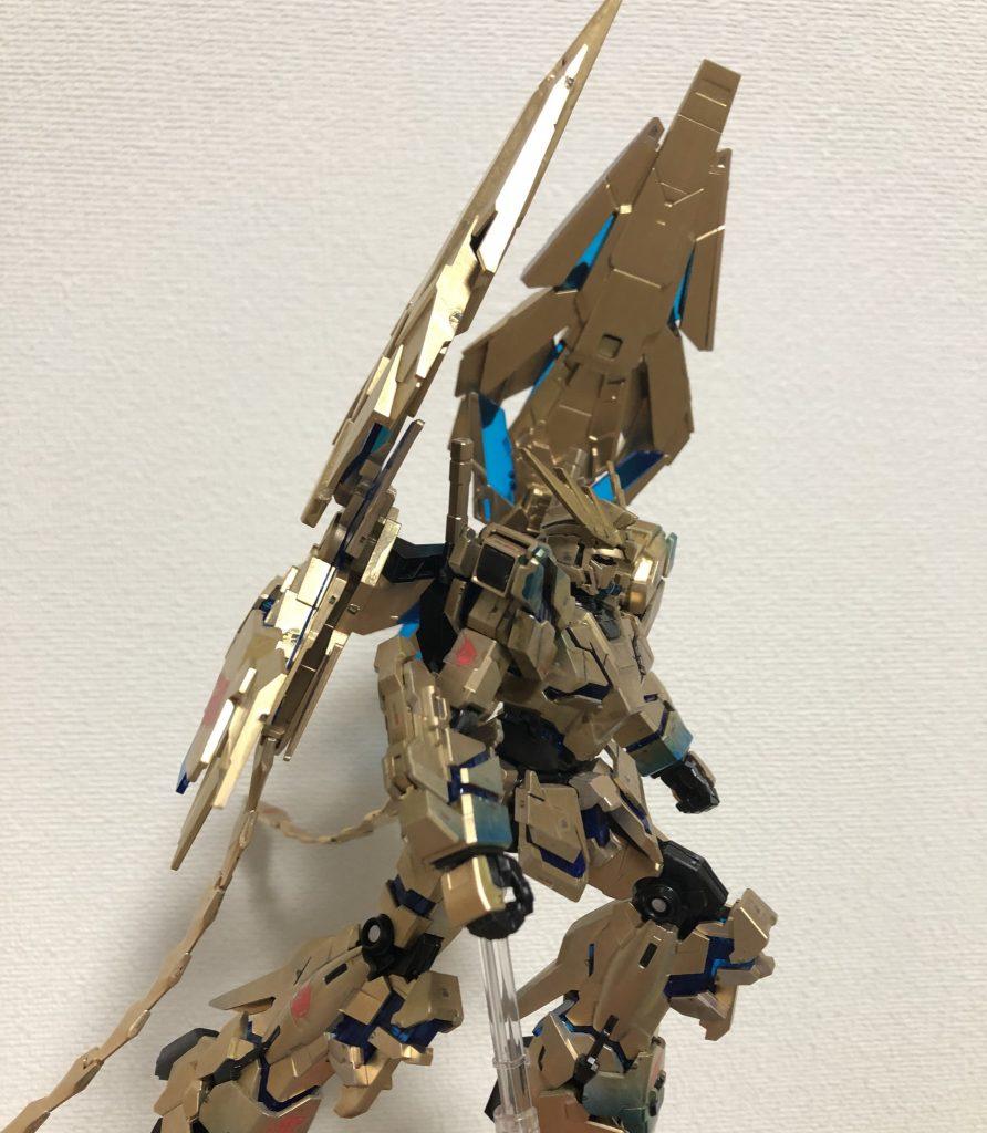 RX-0 ユニコーンガンダム3号機 フェネクス(デストロイモード)(ナラティブVer.)[ゴールドコーティング アピールショット1