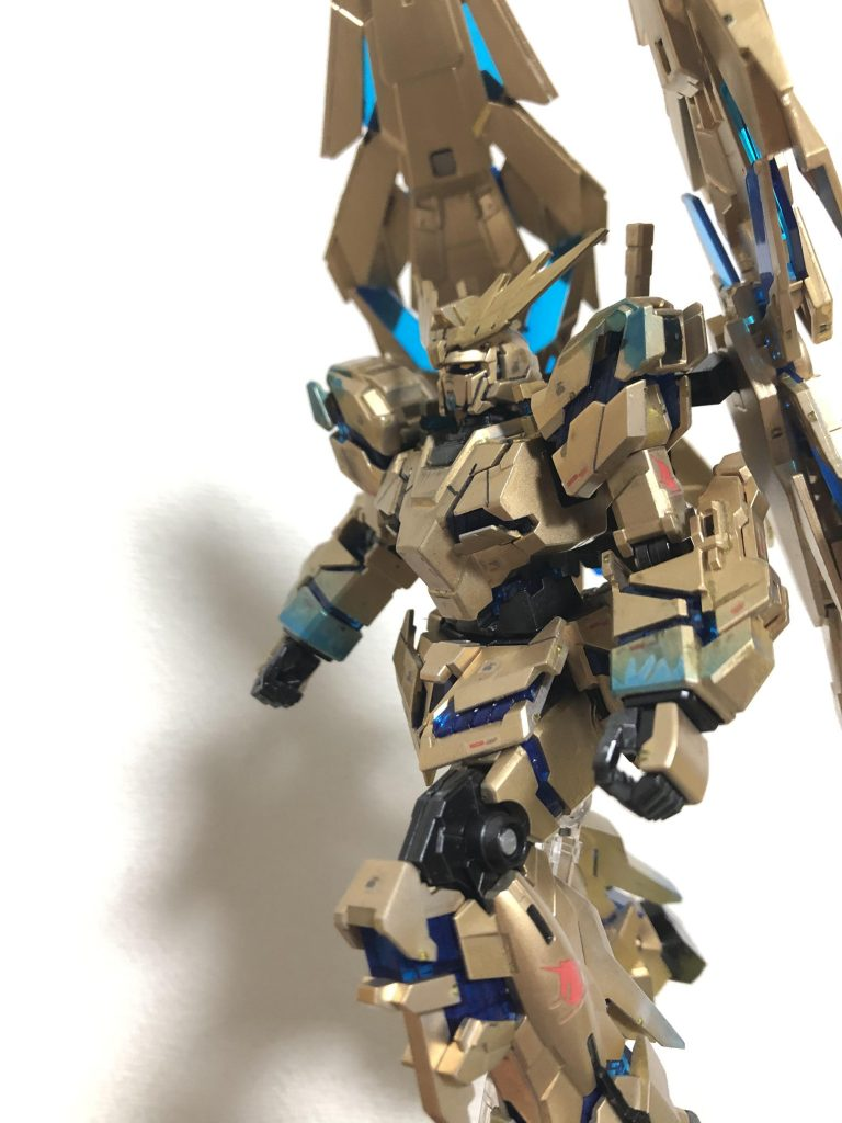 RX-0 ユニコーンガンダム3号機 フェネクス(デストロイモード)(ナラティブVer.)[ゴールドコーティング アピールショット2