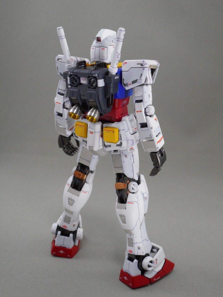 RG RX-78-2 GUNDAM アピールショット2