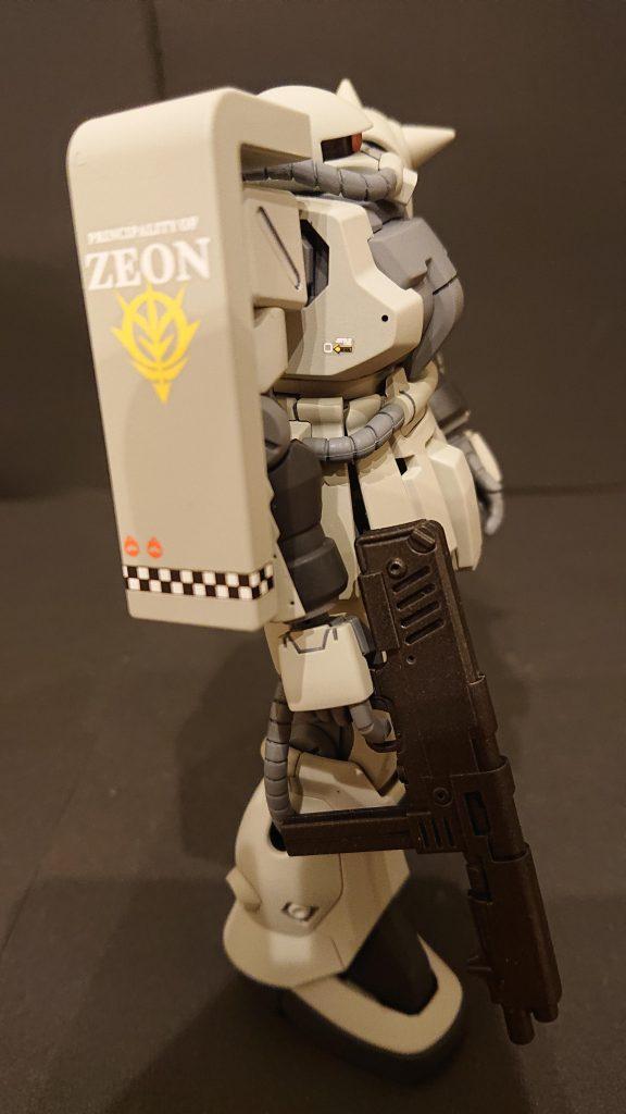 ザクⅡF2オリジナルカラー アピールショット2