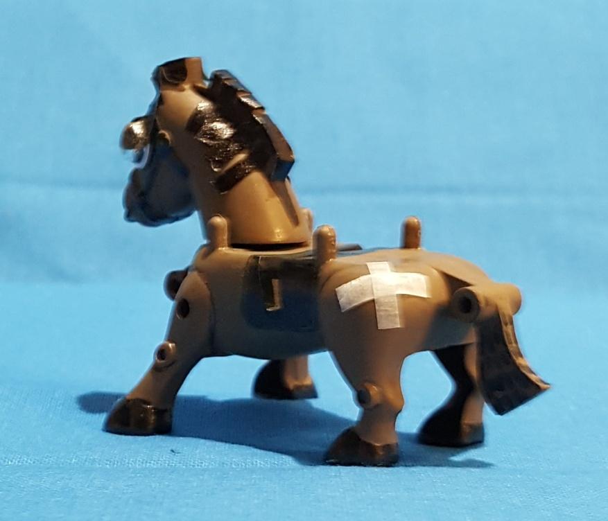 三十石(さんじゅっこく)武者と駄馬 アピールショット2