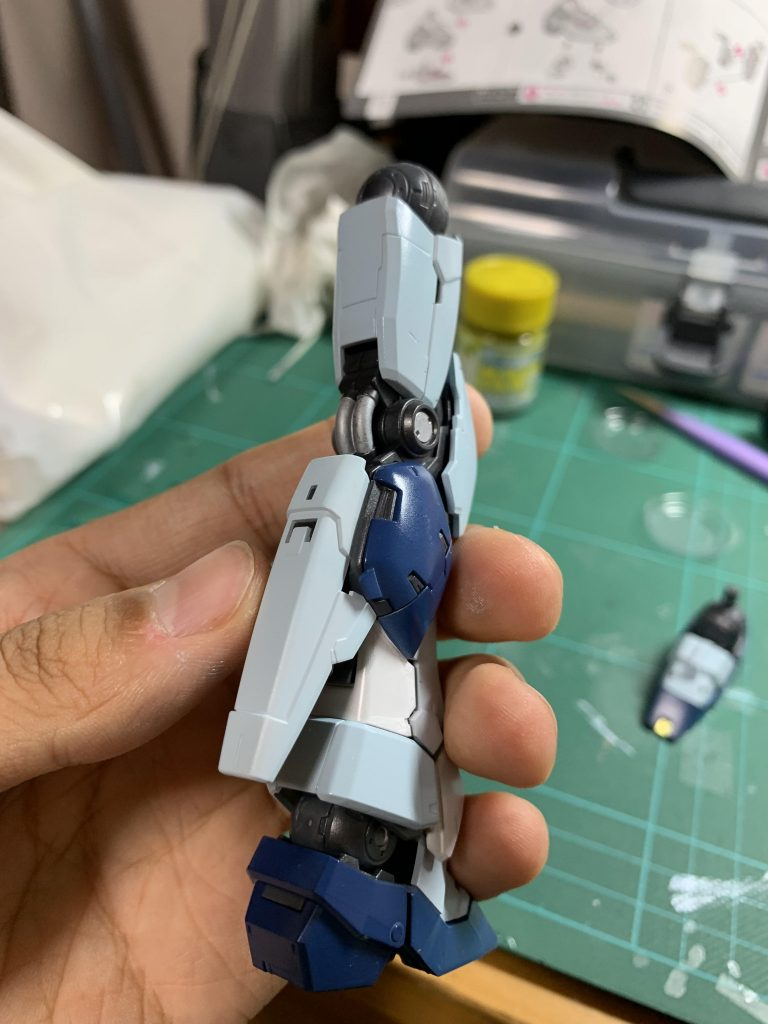 RG RX-93 νガンダム 制作工程2