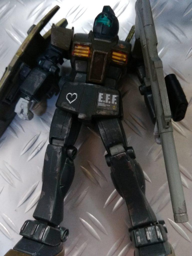 HG GM 砂漠仕様夜戦用カラー アピールショット1