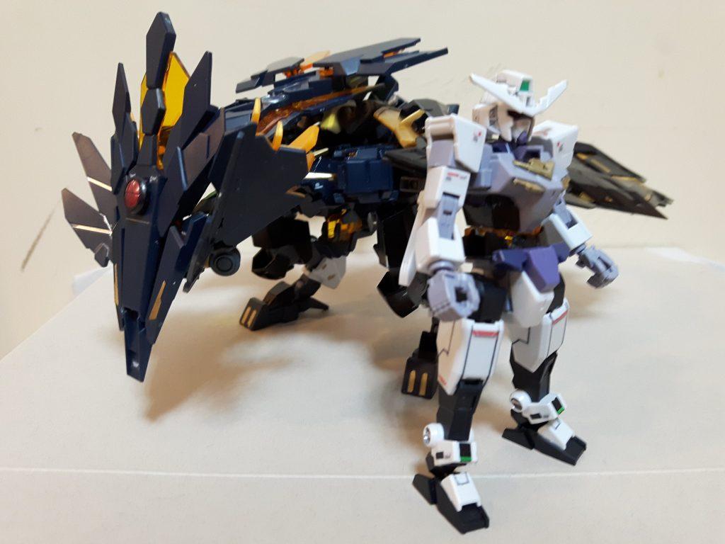 バンシィ-ユニット&コアガンダム アピールショット1