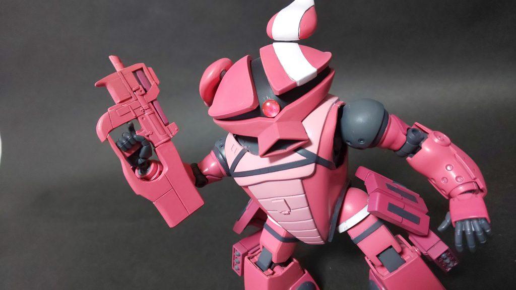 アッガイ(ピンクの悪魔)