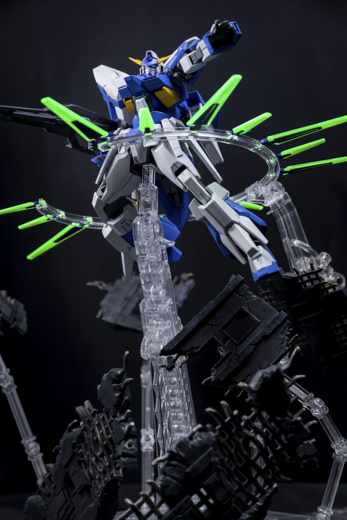 HG ガンダムAGE-FX アピールショット1
