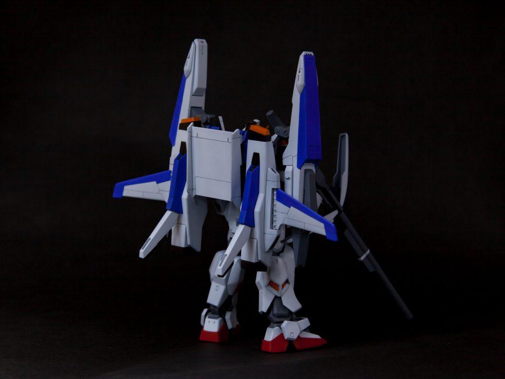RX-178/FXA05D SUPERGUNDAM アピールショット2