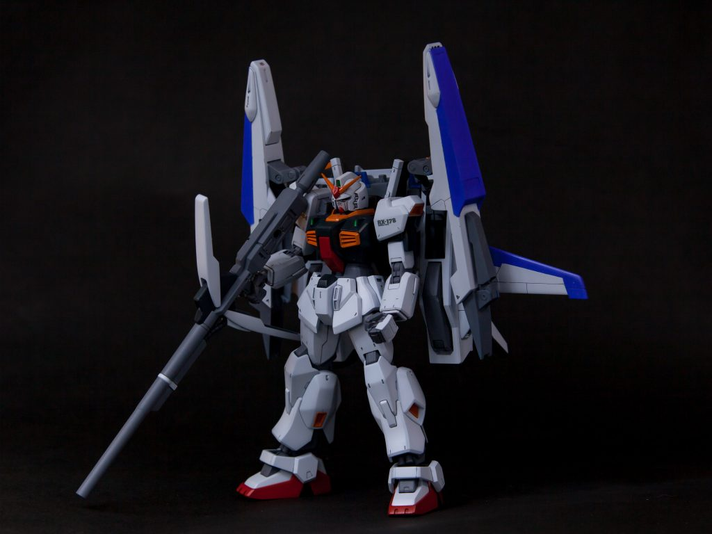 RX-178/FXA05D SUPERGUNDAM アピールショット1
