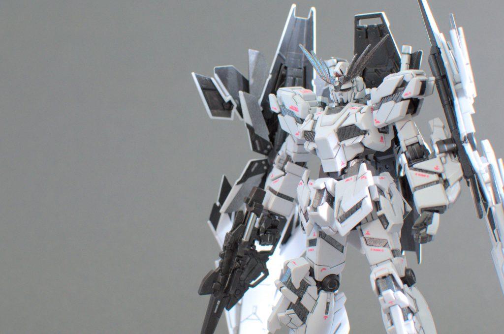 HG ユニコーンガンダム -mono- アピールショット2