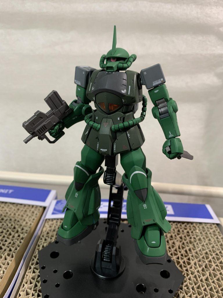 MS-07B グフ・ライトアーマー