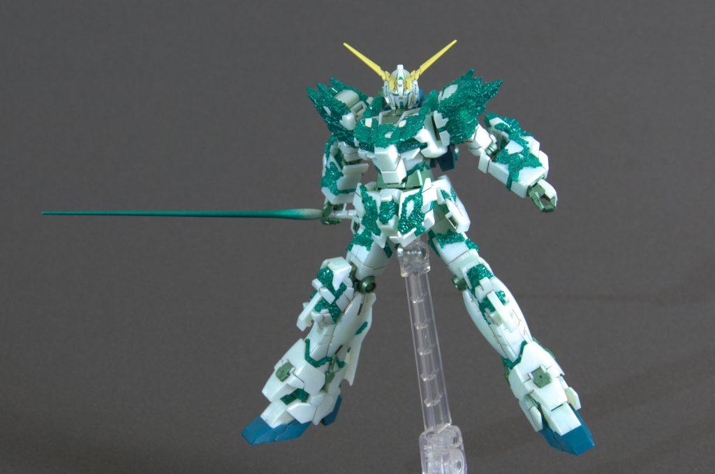 HG ユニコーンガンダム (光の結晶体) アピールショット4