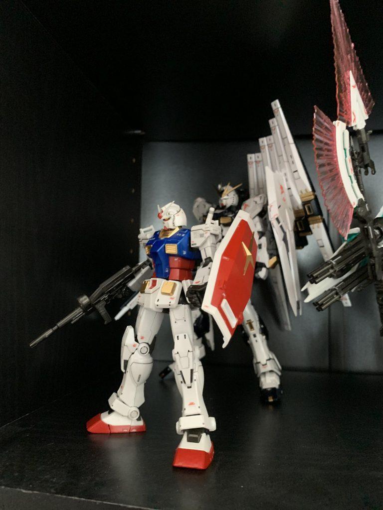 HG 1/144 RX-78-02 ガンダム(GUNDAM THE ORIGIN版) アピールショット2