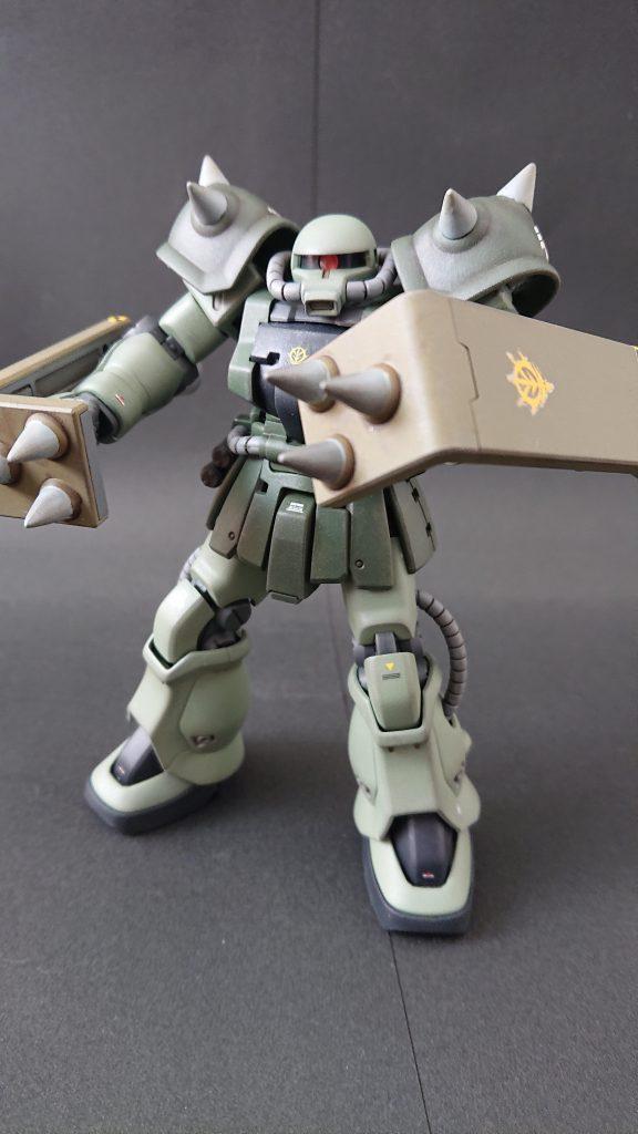 hgucザクⅡF2(近接格闘仕様) アピールショット1