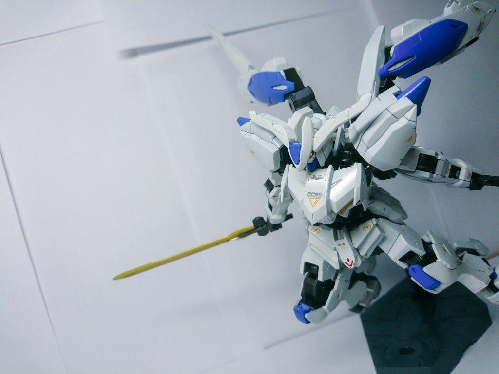 HG IBO ガンダムバエル アピールショット4