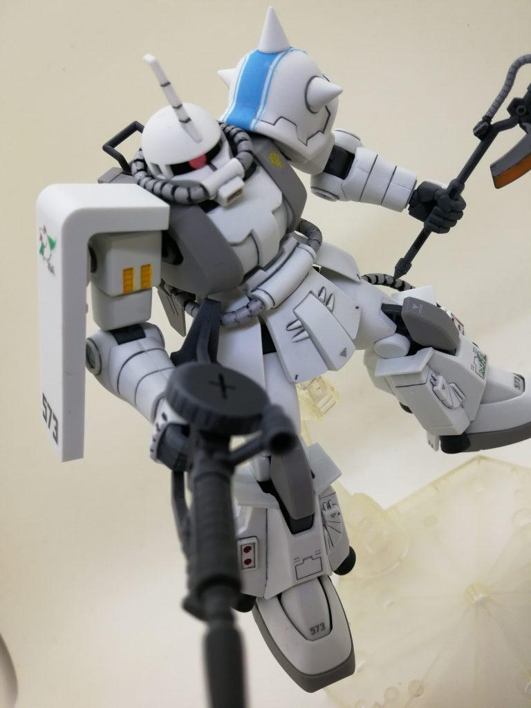 シン・マツナガ専用ザクⅡ アピールショット1