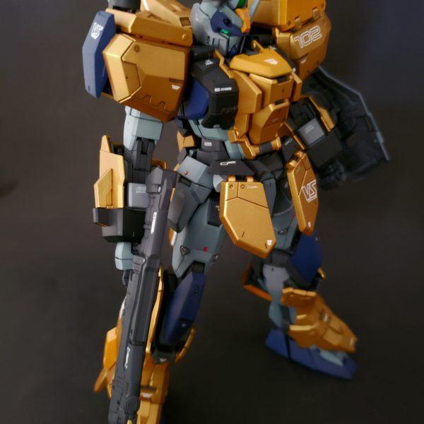 黄金聖衣風✨アサルトシュラウド